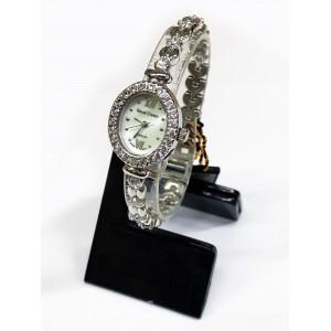 Reloj Royal Crown de Acero y Circonitas engastadas, esfera oval.